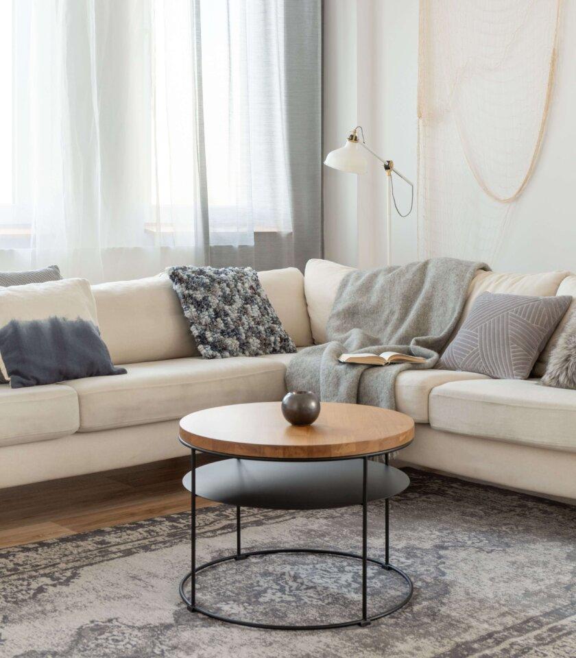 stolik do salonu minimalistyczny