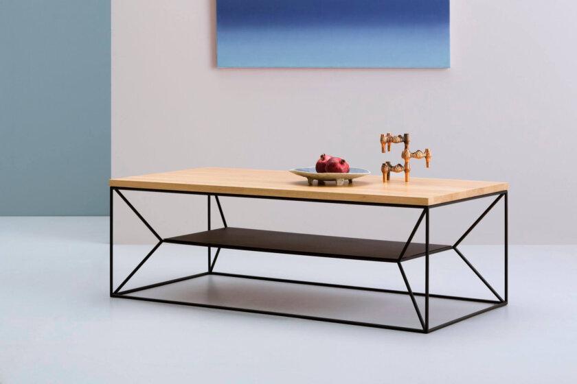 stolik w stylu skandynawskim z polka