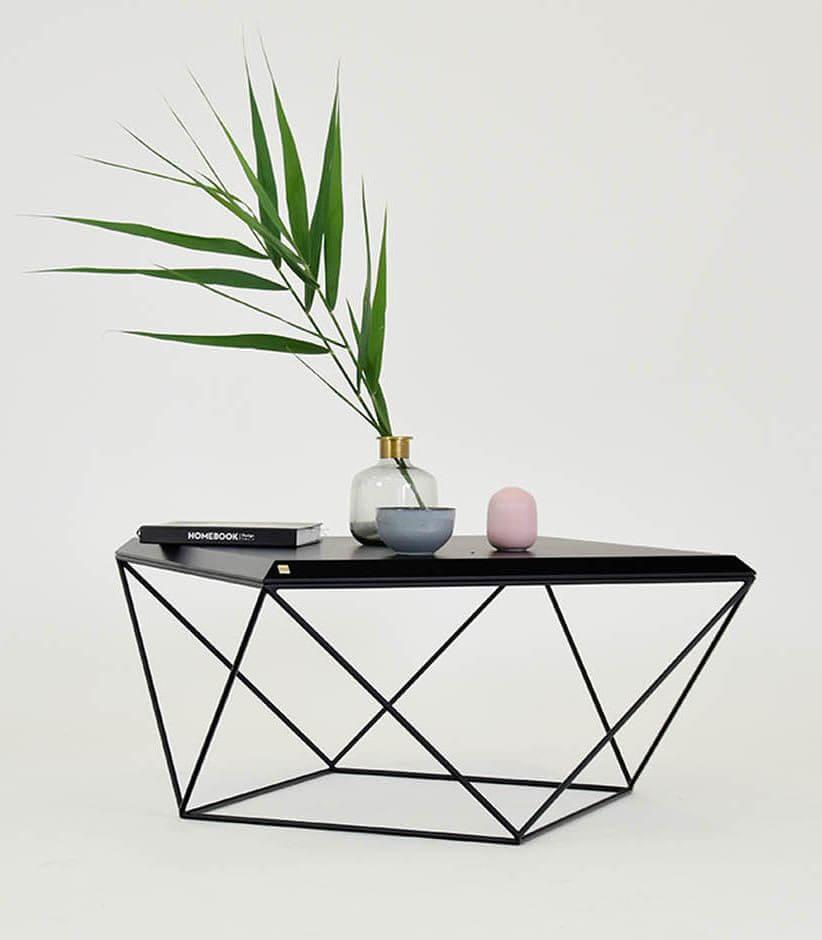 czarny minimalistyczny stolik kawowy