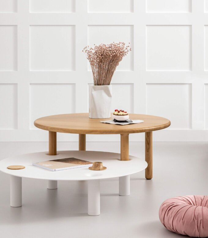 okragly debowy stolik kawowy