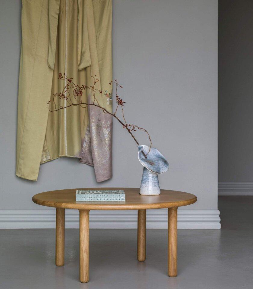 debowy toczony naturalny stolik kawowy