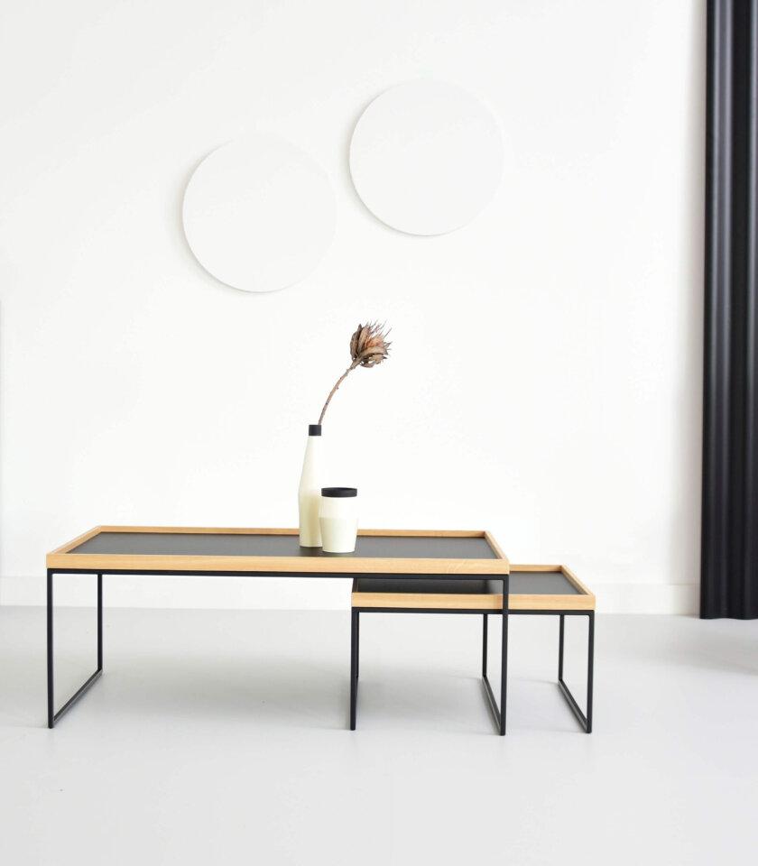 czarny stolik z taca industrialny