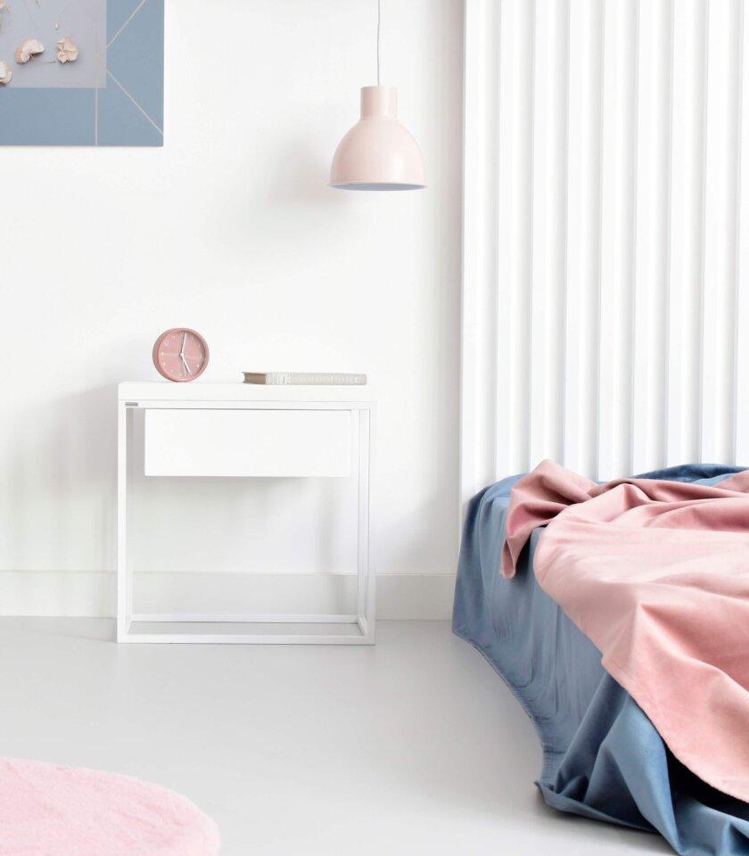 biala szafka nocna z szuflada