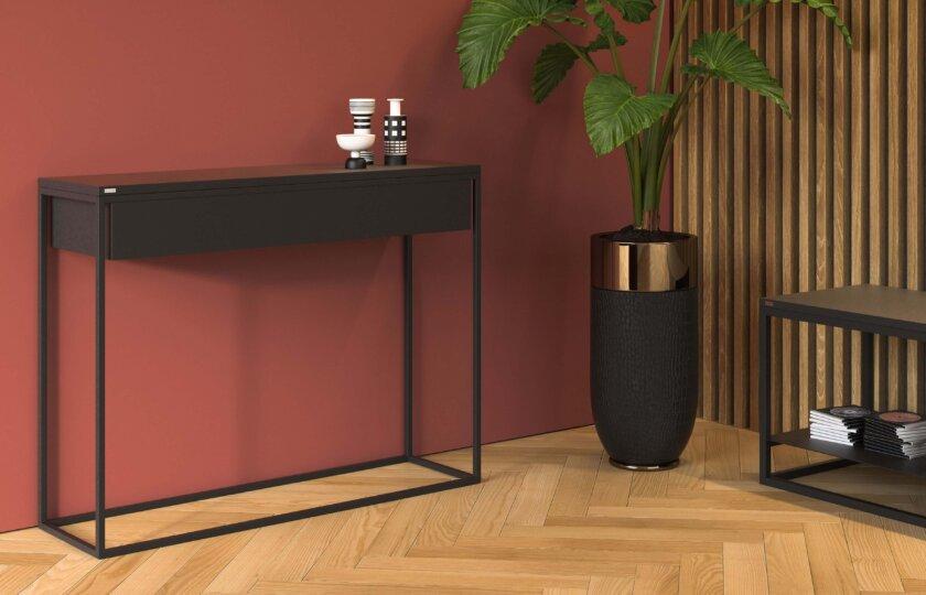 minimalistyczna czarna konsola z szuflada