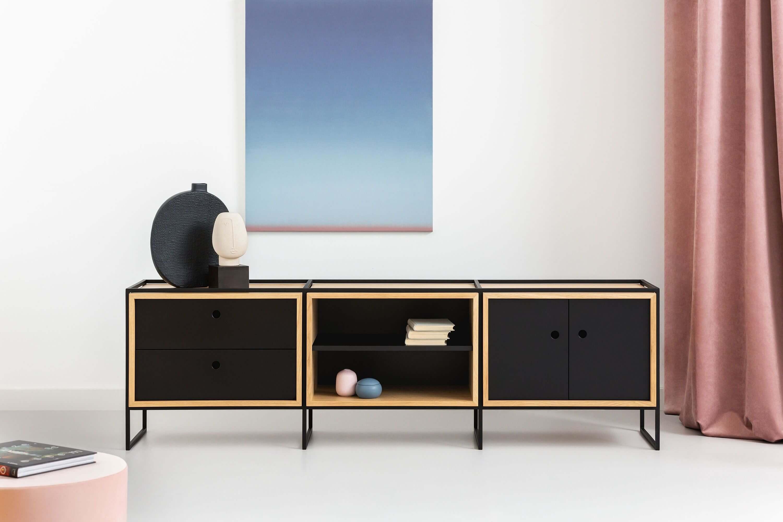 minimalistyczny regał dębowy z szufladami