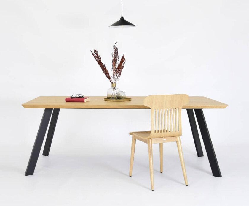 prosty nowoczesny stol debowy blat