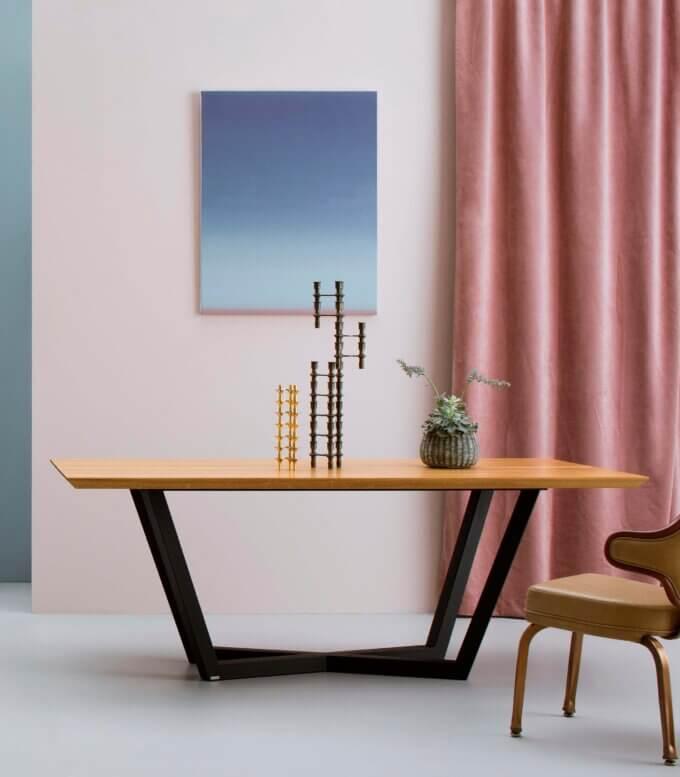 czarny stol elegancki nowoczesny