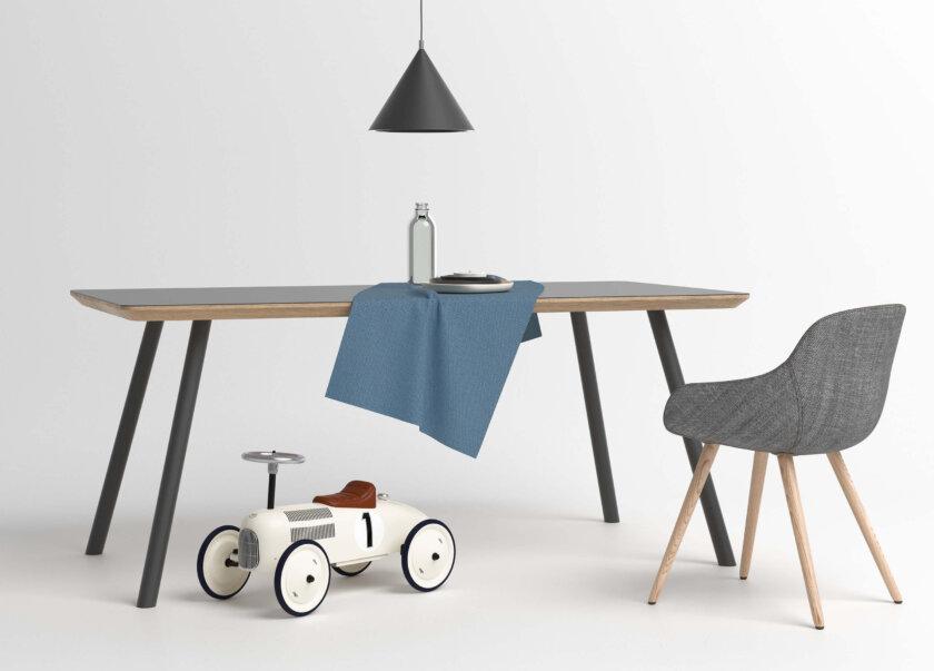 stol z czarnym blatem nowoczesny