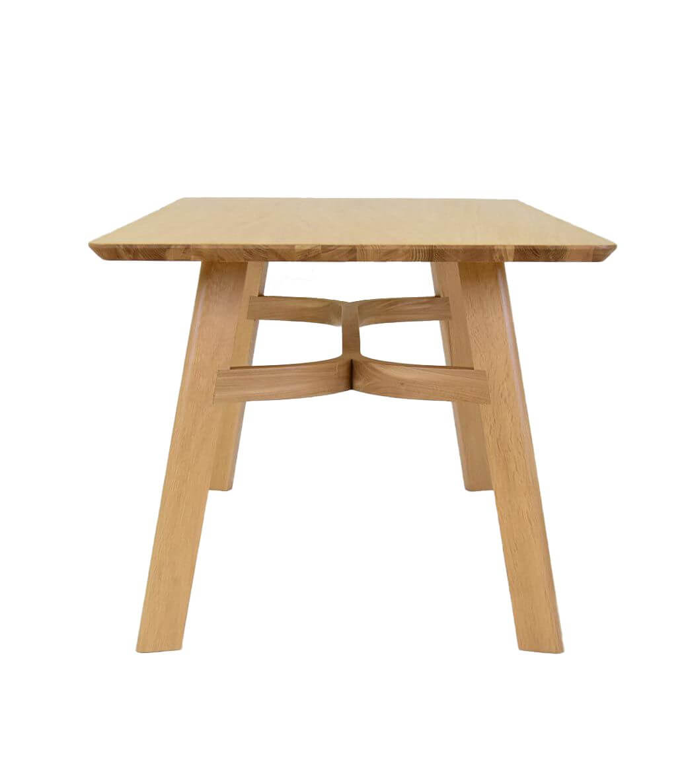 stół do jadalni piękna forma dobry design drewno lite