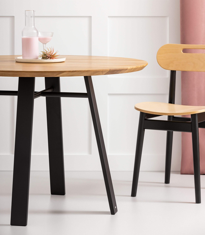 okrągły dębowy stół czarny nowoczesny kuchenny