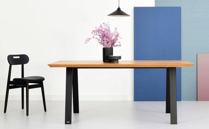 stol do jadalni z debowym blatem polski design
