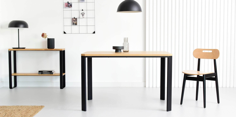 maly stol skandynawski design