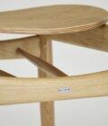 drewniane krzeslo do jadalni minimal design
