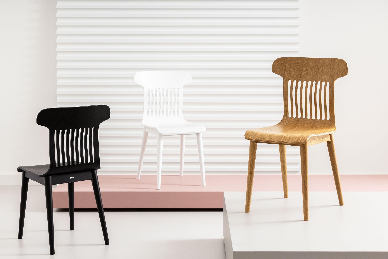 nowozesne krzesła dębowe