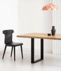 czarne krzeslo drewniane nowoczesne