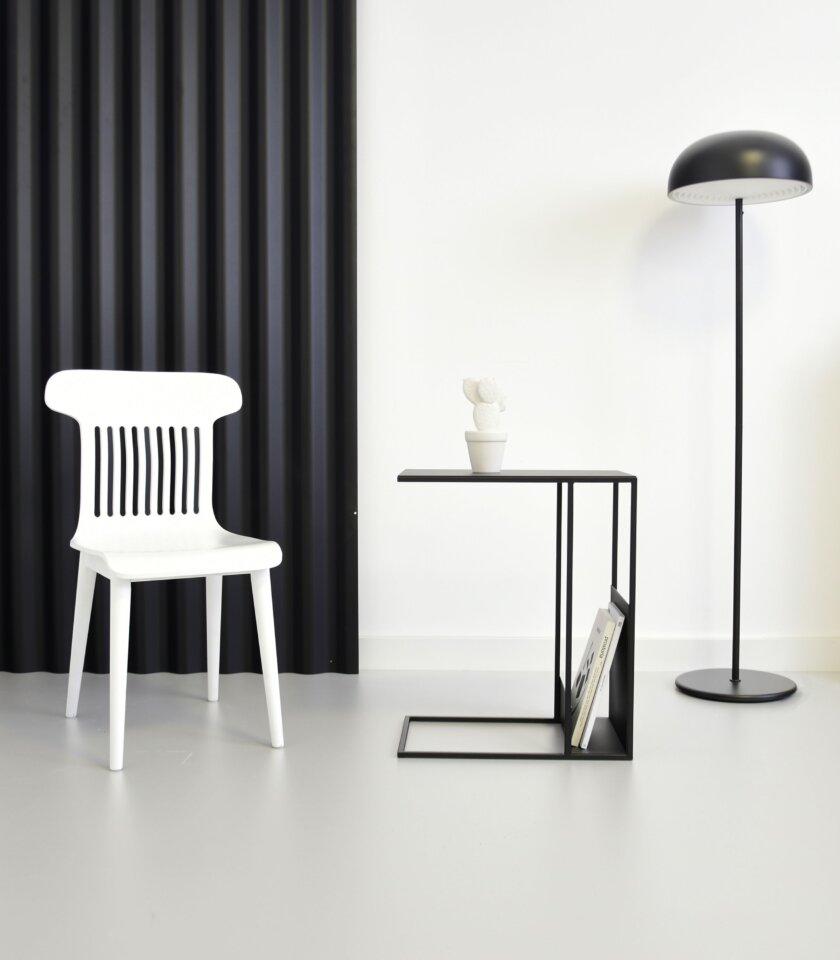 biale drewniane krzeslo nowoczesne