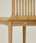 detal krzesla skandynawskiego piekna linia