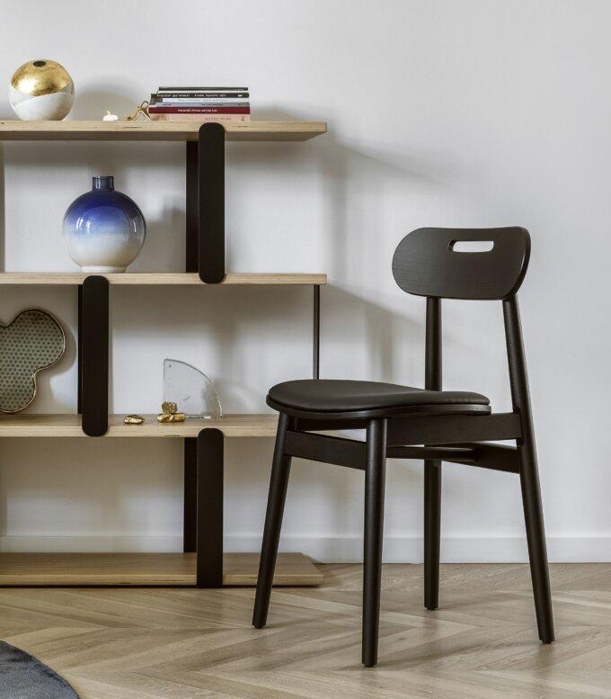 krzeslo czarne drewniane tapicerowane nowoczesne