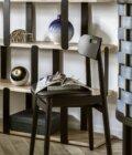 krzeslo czarne w stylu skandynawskim tapicerowane