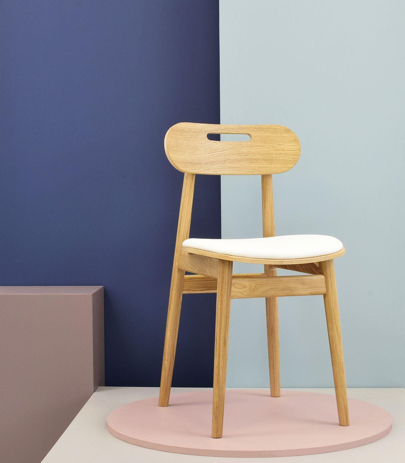 krzeslo drewniane debowe tapicerowane biale