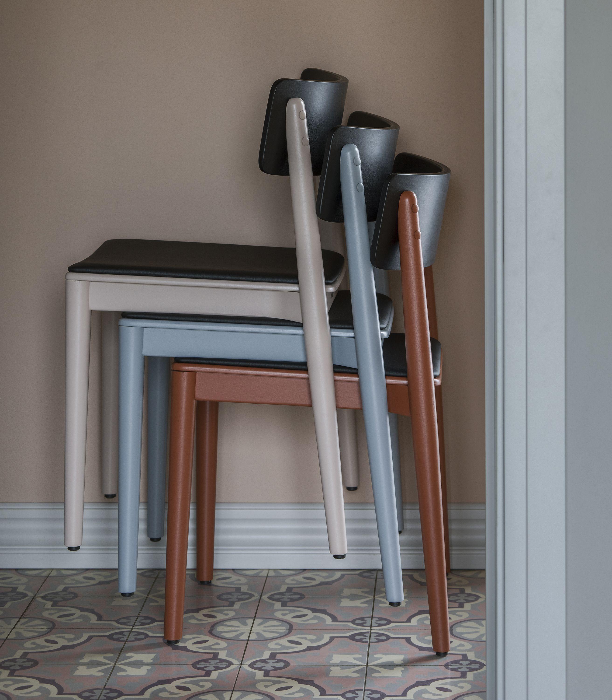 kolorowe drewniane krzeslo design