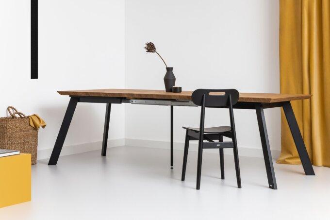 stol rozkladany debowy w stylu industrialnym