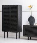 szafka z przesuwanymi drzwiami czarny dab